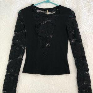 LF long sleeve crop top w/ lace detail Size XS